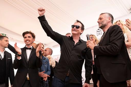 Quentin Tarantino fier pour Brandy, la chienne de son film Once upon a time in Hollywood, de recevoir la Palm Dog Wamiz